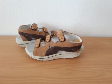 26b062f6 WEB balanse sandal lys brun